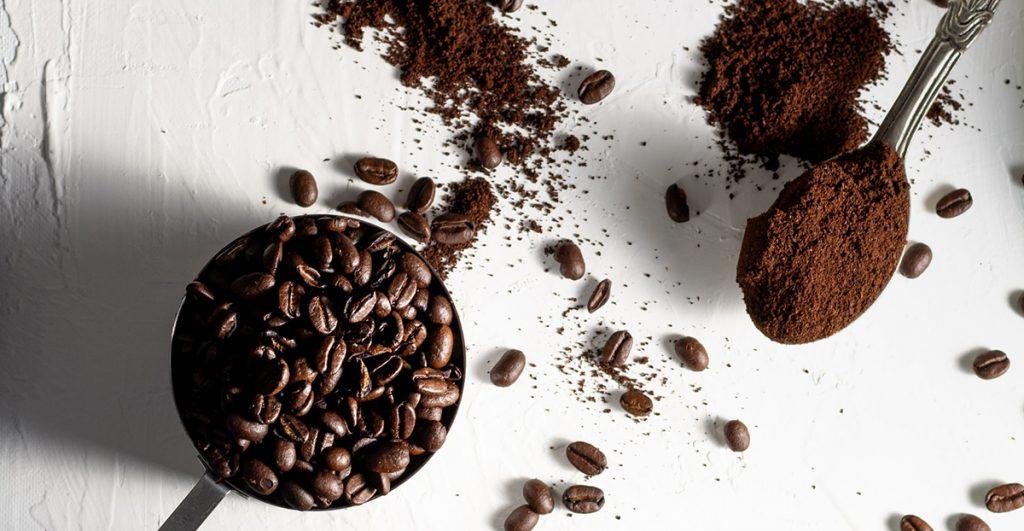 Caffeinea nhydrous